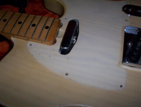 78_under_pickguard.jpg