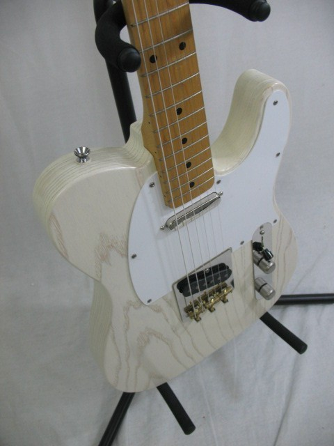 Chris Vintage cream white guard tele, S-N- 17813 003.JPG