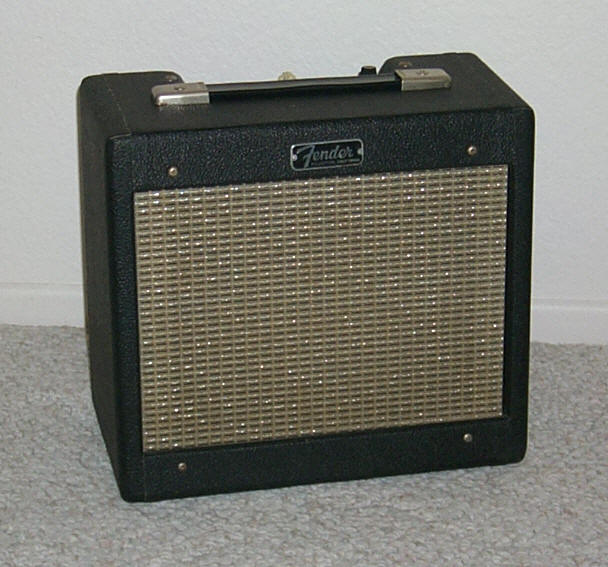 Fender 63-4 Champ Black Tweed front.jpg