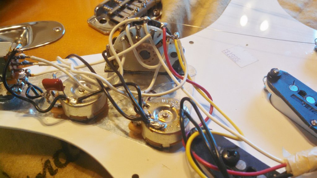 Jimmie Vaughan wiring: Add middle p'up to neck tone pot ... on
