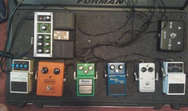 Click image for larger version  Name:pedal board.jpg Views:40 Size:64.6 KB ID:33400