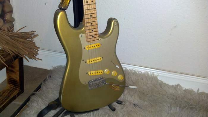 Click image for larger version  Name:relic strat.jpg Views:304 Size:25.4 KB ID:138830