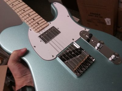 Incoming G&L bluesboy tribute 3-tone | Telecaster Guitar Forum on