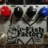 Menatone Fish Factory , 6 stage phaser, boutique Rangemaster, Ibanez Echomachine and more