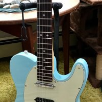 *PRICE DROP* Fender Deluxe Nashville Telecaster Electric Guitar (Rosewood, with Gig Bag) Daphne Blue
