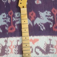 21 fret maple neck with nut