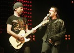 bono-sings-as-the-edge-plays-his-fender-guitar-1